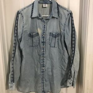 CABI WOMANS DISTRESSED and DISCOLORED DENIM MED